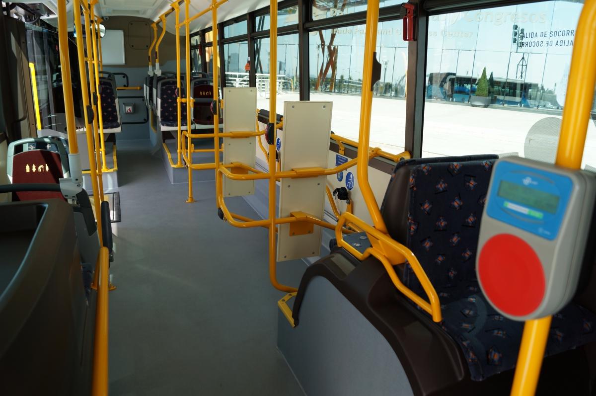 M laga se pone a la cabeza en el transporte urbano for Oficina emt malaga