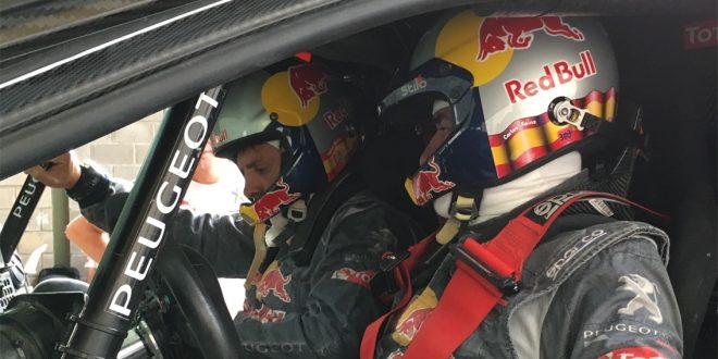 Carlos Sainz con Peugeot 2008 DKR
