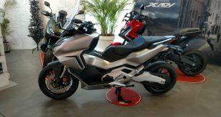 Servihonda recibe la nueva y esperada Honda Forza 750, un scooter de gran potencia con motor bicilíndrico